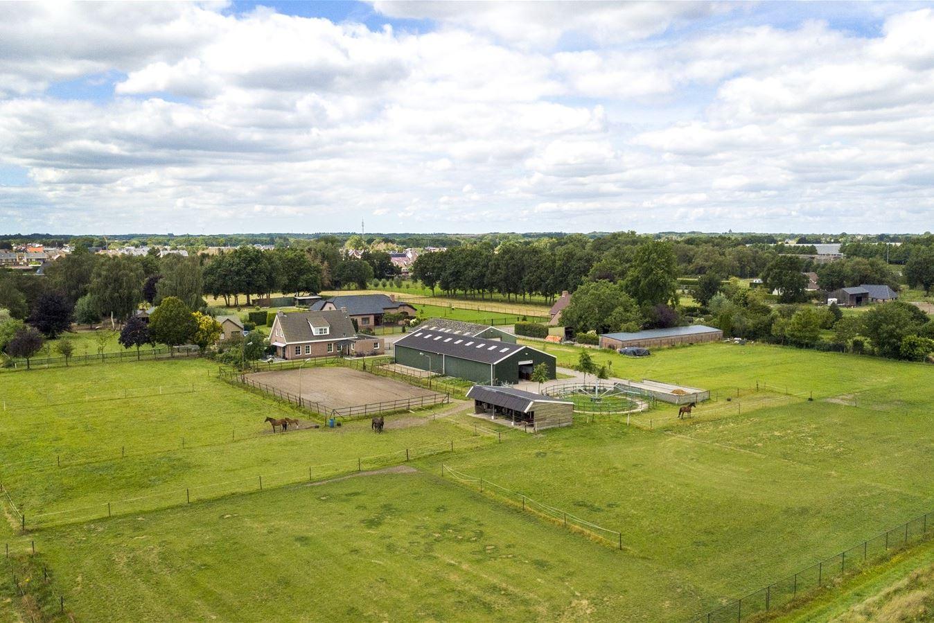 View photo 1 of Beatrixweg 32