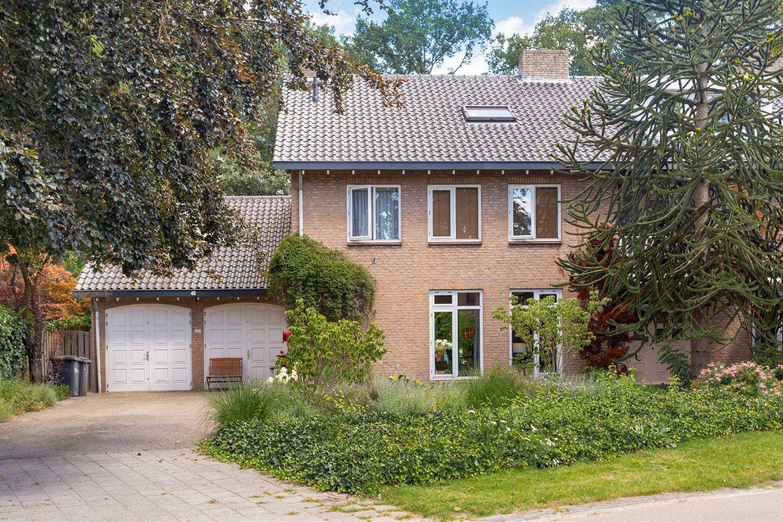 View photo 3 of Schweitzerlaan 46