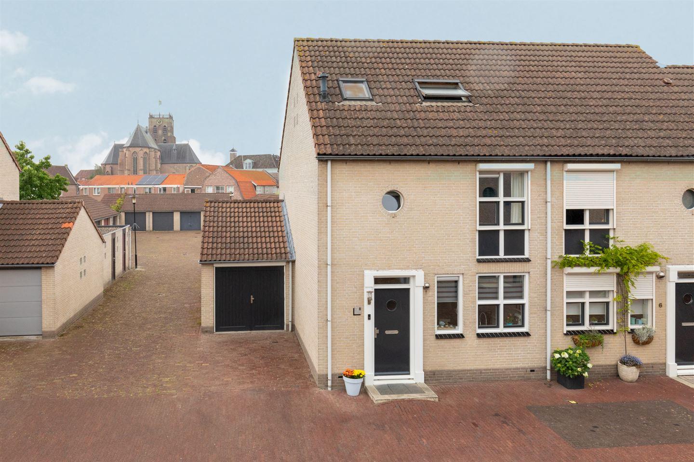 Bekijk foto 1 van Vestingstraat 8