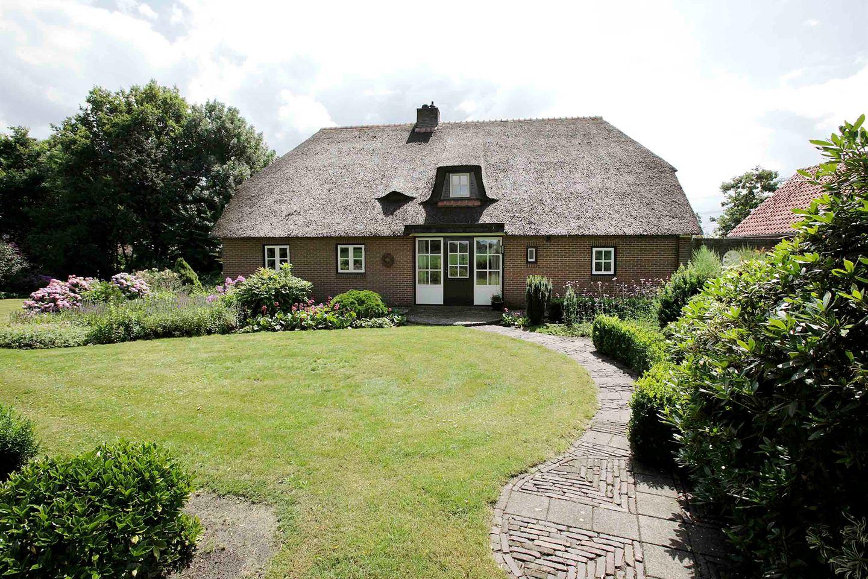Bekijk foto 2 van Oostwijk 1