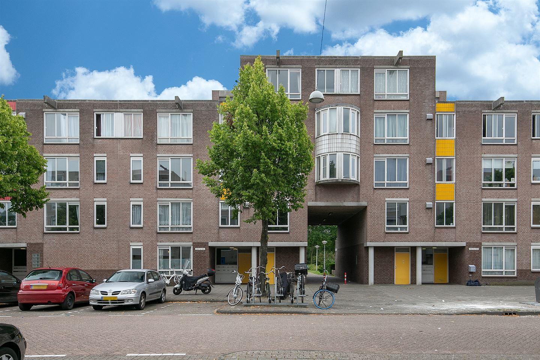 Bekijk foto 2 van Alfred Döblinstraat 148