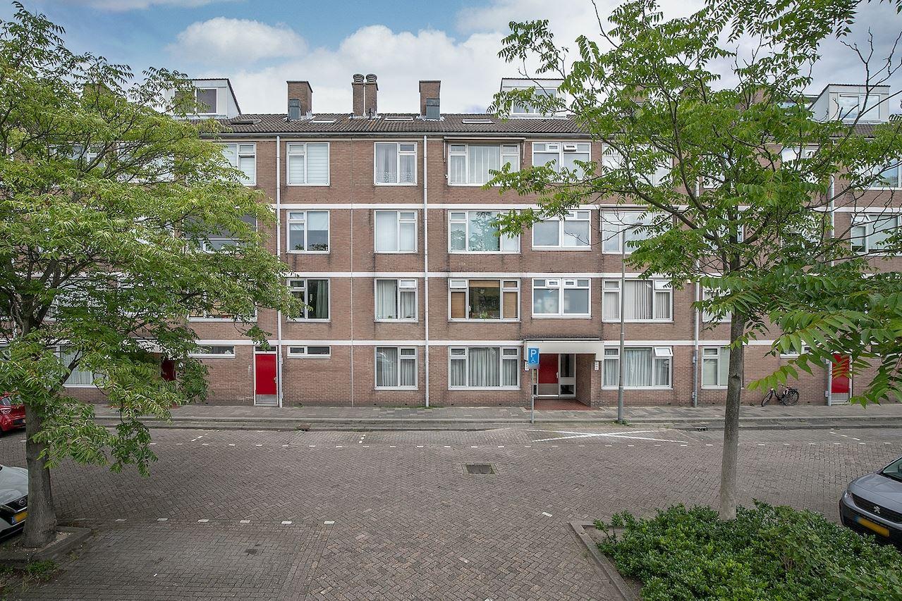 View photo 1 of Royaardsplein 154