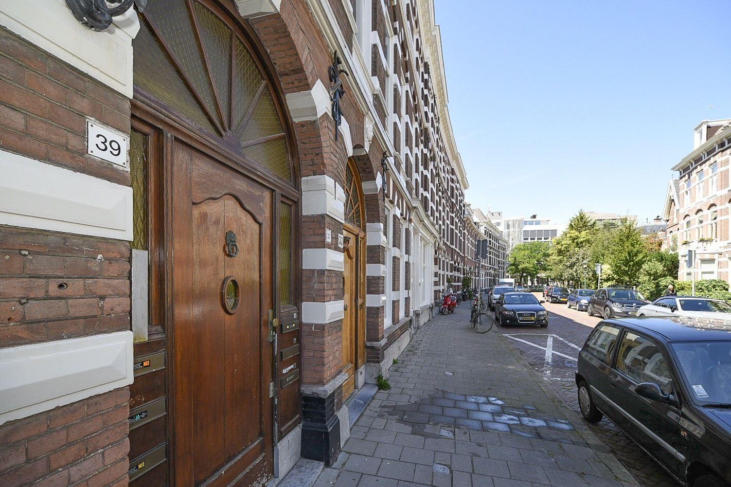 Bekijk foto 3 van Adelheidstraat 37 39Iv