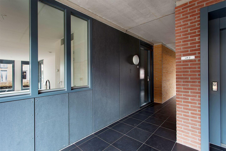 Bekijk foto 2 van Weversplein 13