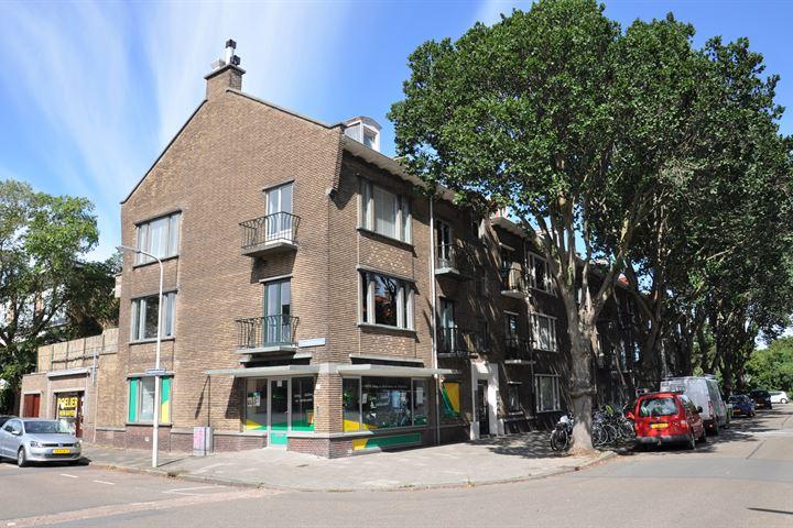 Campanulastraat 1, Den Haag