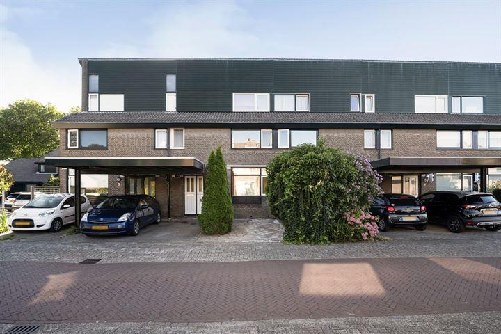 Zwaluwenburg 8