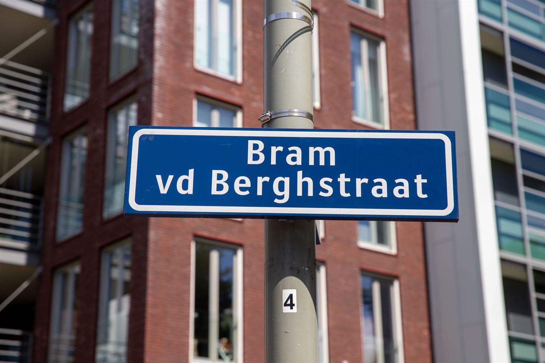 Bekijk foto 2 van Bram van den Berghstraat 71