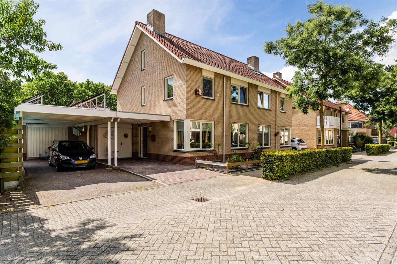 Bekijk foto 1 van Van der Vlugtstraat 20