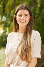Julia van Roon (Sales employee)