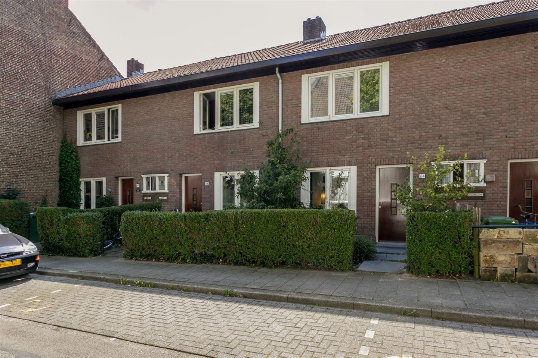 Bekijk foto 3 van Jekerstraat 64