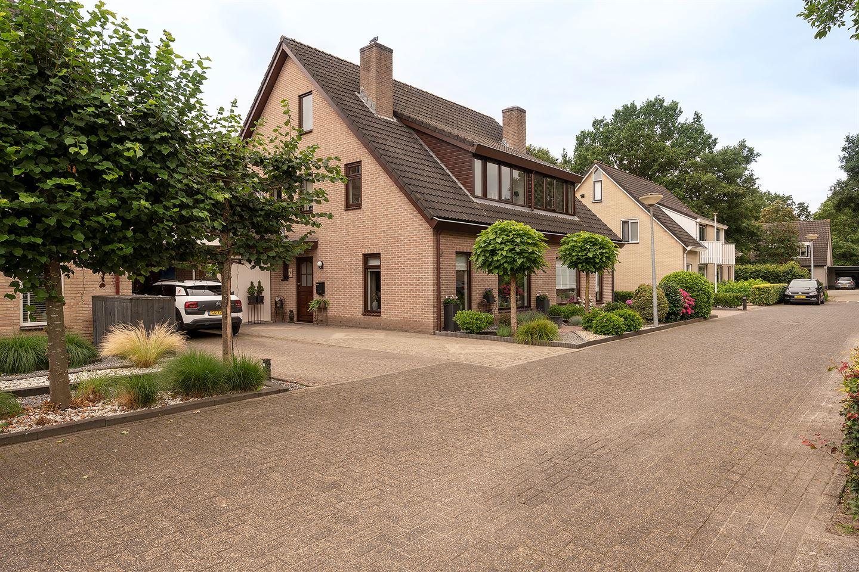 Bekijk foto 3 van Hagenhof 33