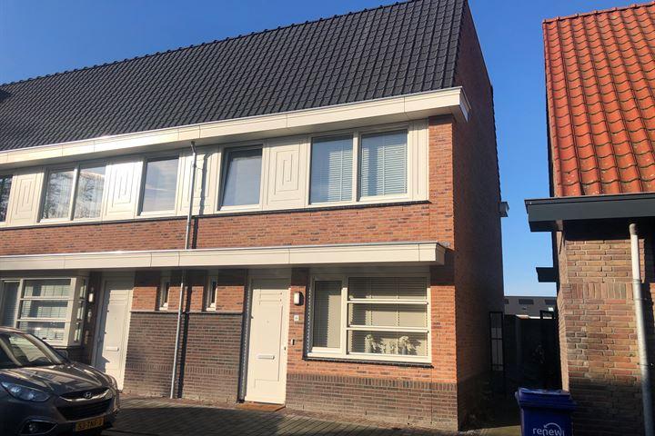 Pastoor van Leeuwenstraat 24