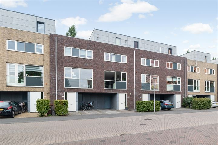 Harry Banninkstraat 14