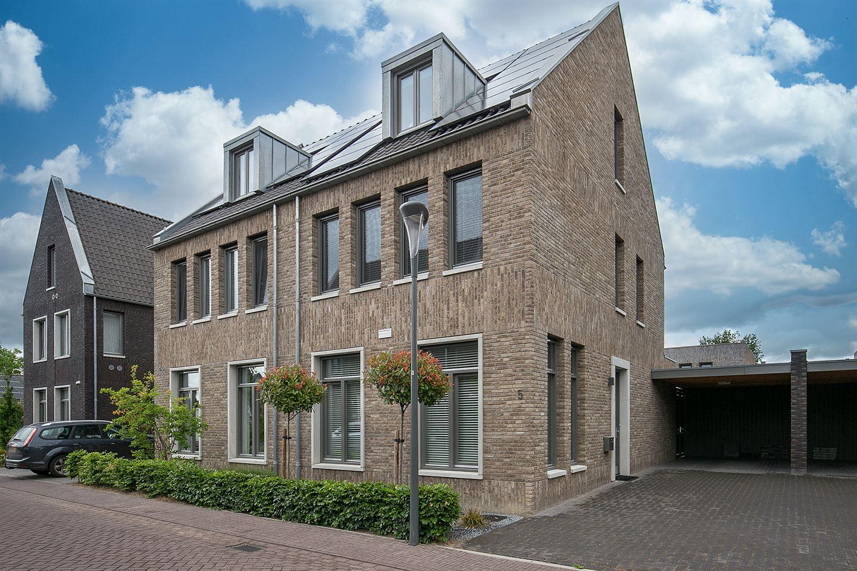 Bekijk foto 1 van Klompenfabriek 5