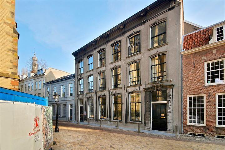 Achter de Dom 14, Utrecht