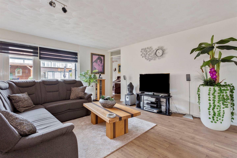 Bekijk foto 3 van Roosterenstraat 9
