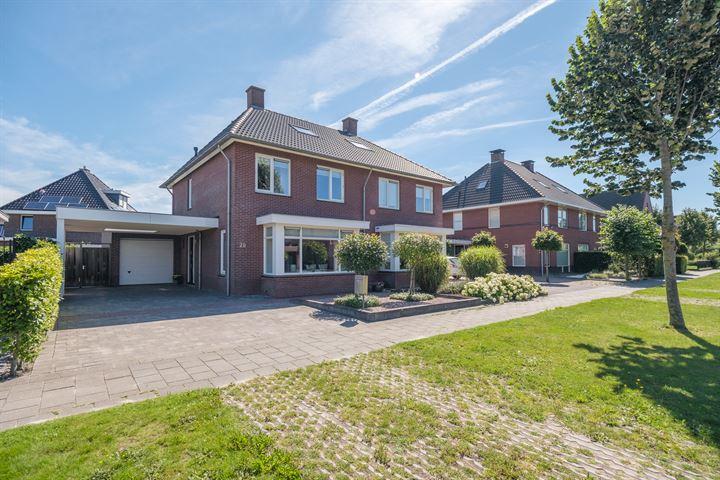 Carry van Bruggenweg 28