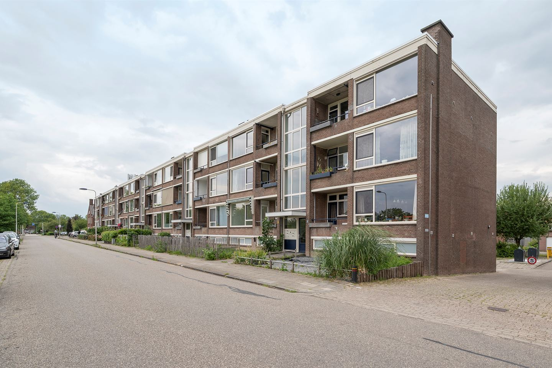 Bekijk foto 4 van Jan van Riebeeckstraat 104