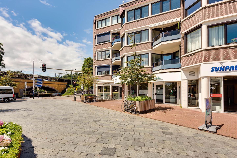 Bekijk foto 2 van Stationsplein 8