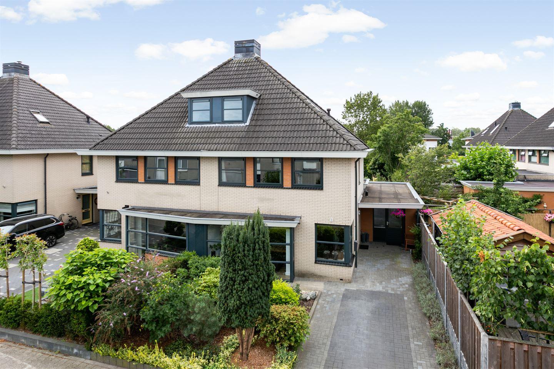 View photo 3 of Carry van Bruggenstraat 14