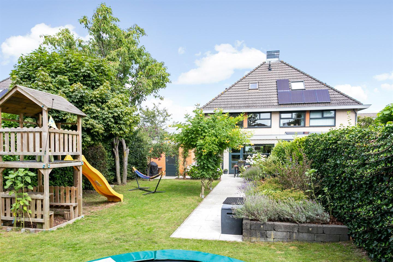 View photo 2 of Carry van Bruggenstraat 14