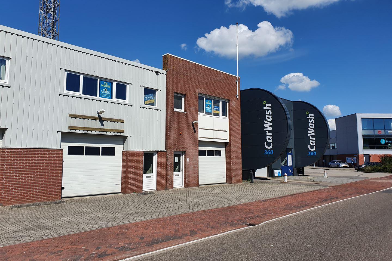Bekijk foto 2 van Prof.van der Waalsstraat 3 M