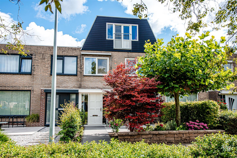 Bekijk foto 1 van Van den Berghlaan 521