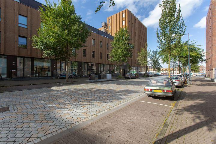 Pieter Oosterhuisstraat 54