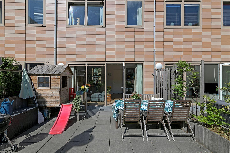 Bekijk foto 2 van Pieter Oosterhuisstraat 54