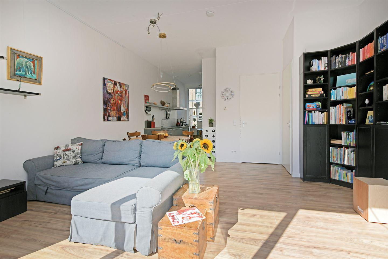 Bekijk foto 4 van Pieter Oosterhuisstraat 54