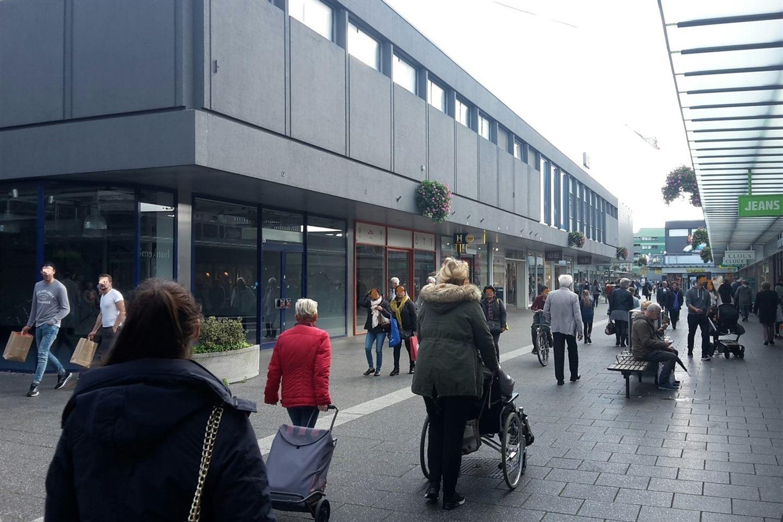 Bekijk foto 2 van Winkelcentrum Woensel 40 a