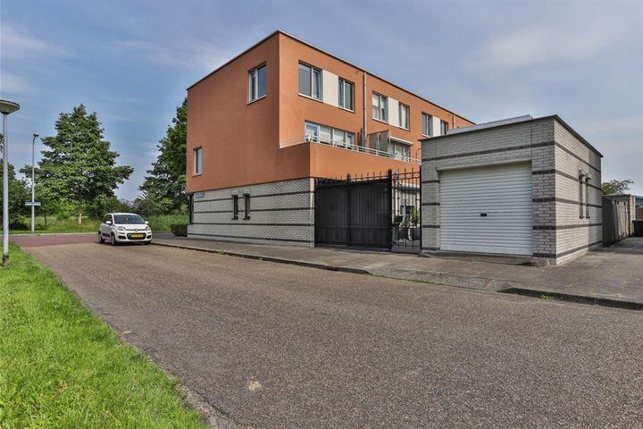 J.M. den Uylstraat 197