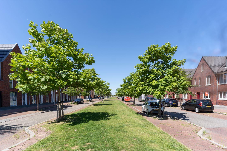 Bekijk foto 2 van Hoflandendreef 12