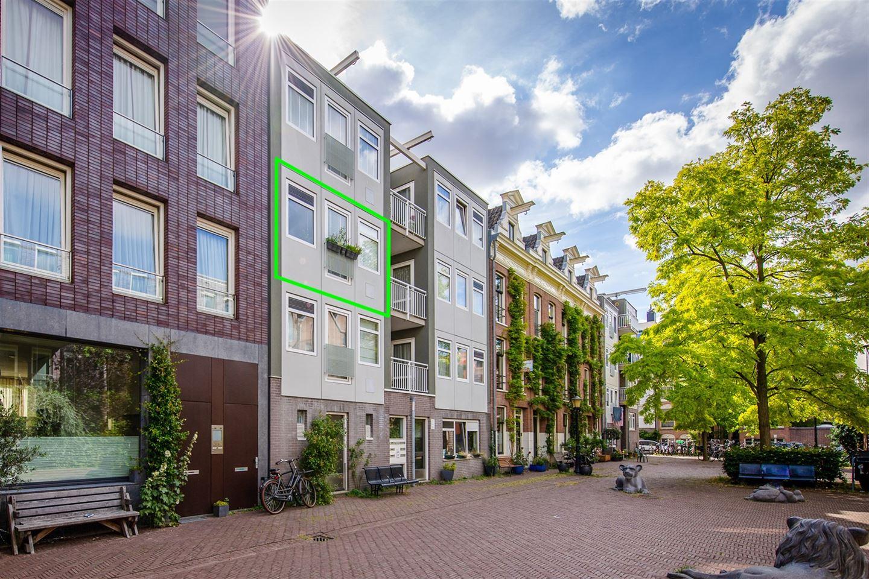 Bekijk foto 1 van Leeuwenhoekstraat 13