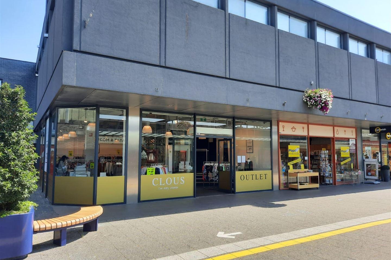 Bekijk foto 2 van Winkelcentrum Woensel 40 c