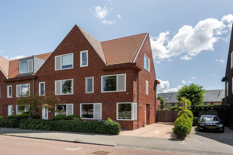 Bekijk foto 1 van Van der Duijn van Maasdamweg 426