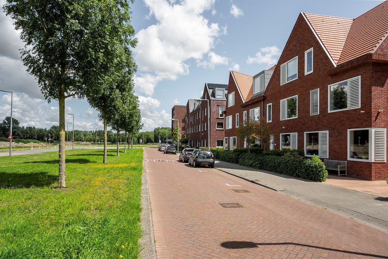 Bekijk foto 2 van Van der Duijn van Maasdamweg 426