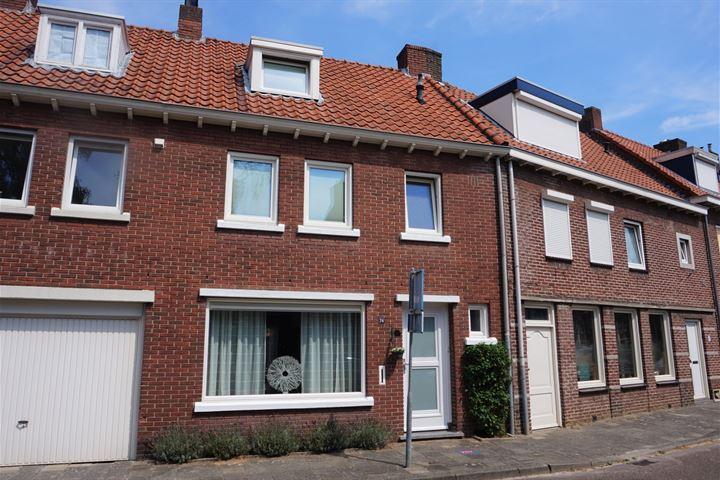 Burgemeester Bloemartsstraat 24
