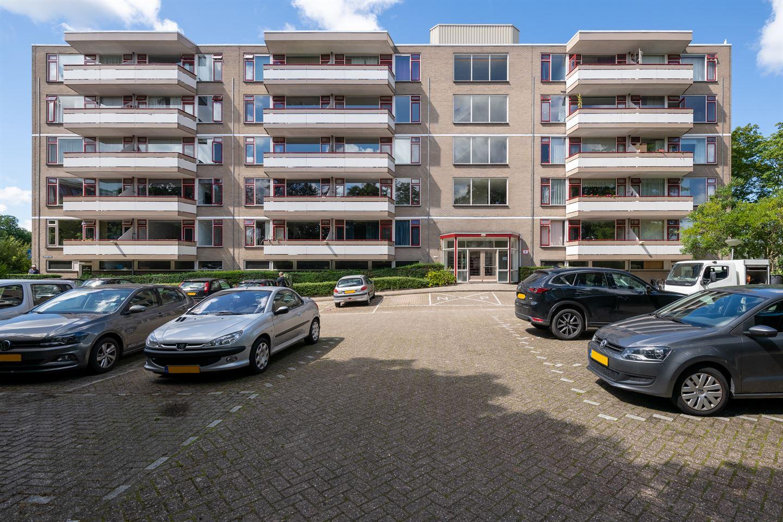 Bekijk foto 1 van Haagplein 64