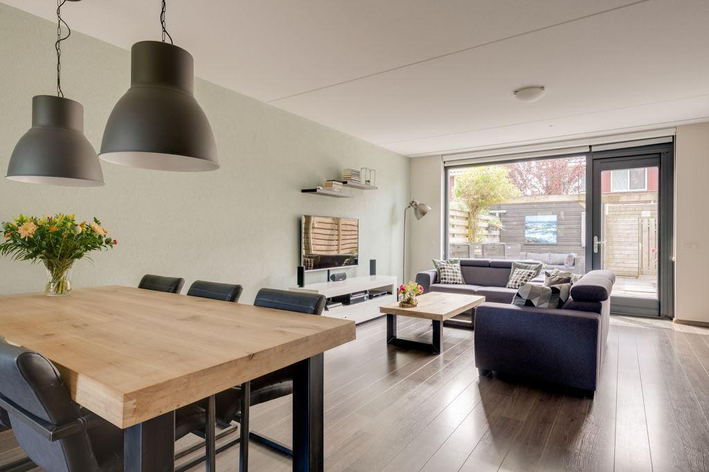Bekijk foto 2 van Theo Thijssenweg 10