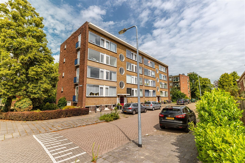 Bekijk foto 1 van Aart van der Leeuwstraat 55