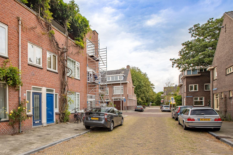 Bekijk foto 2 van J.D. van der Waalsstraat 3