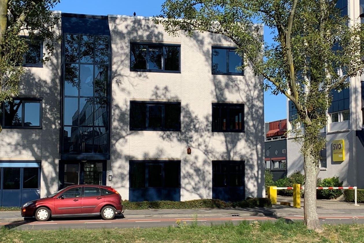 Bekijk foto 2 van Diepenhorstlaan 1 a, b, c