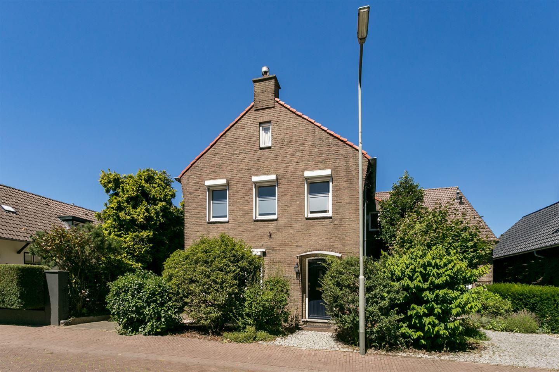 Bekijk foto 2 van Martinusstraat 38