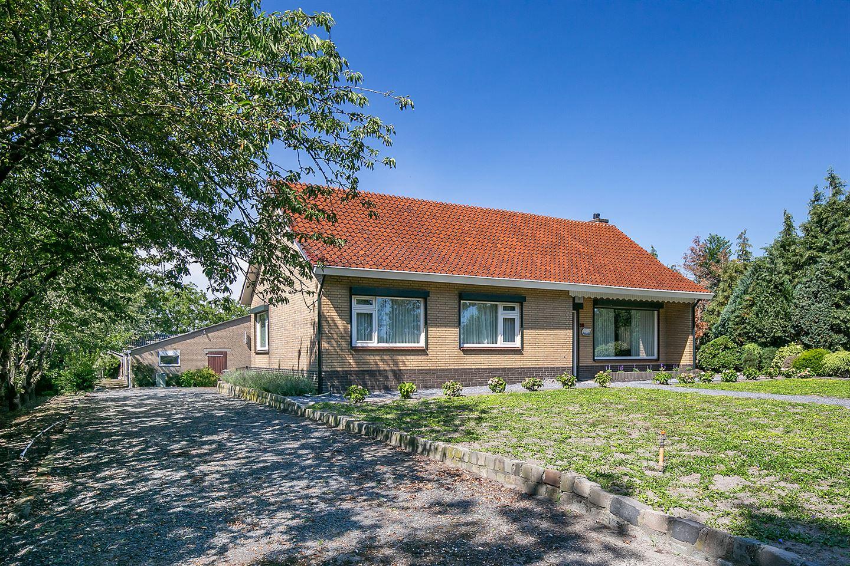 View photo 2 of Roosendaalseweg 38
