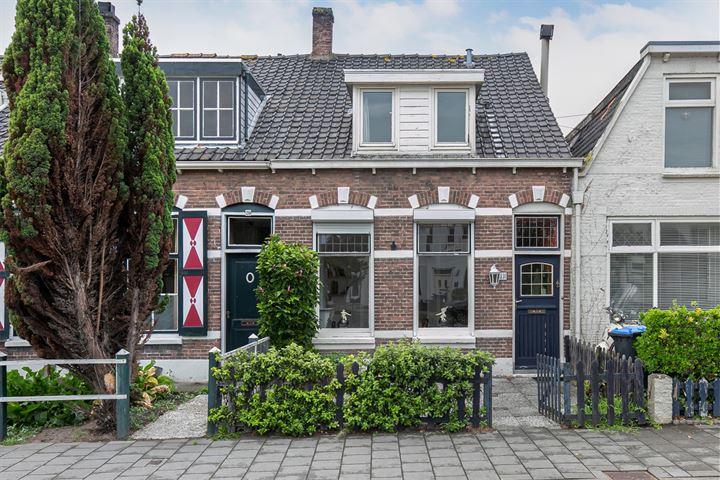 M.A.de Ruijterlaan 22