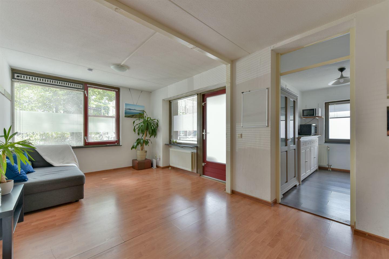 Bekijk foto 4 van Pastoor van Nuenenstraat 2
