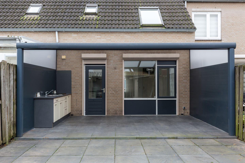 Bekijk foto 2 van Lorentzstraat 52