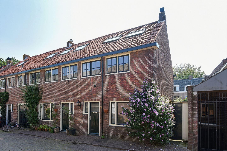 View photo 1 of Huizerpoortstraat 24