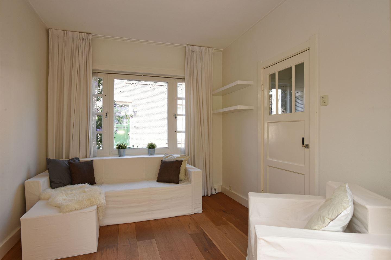 View photo 4 of Huizerpoortstraat 24